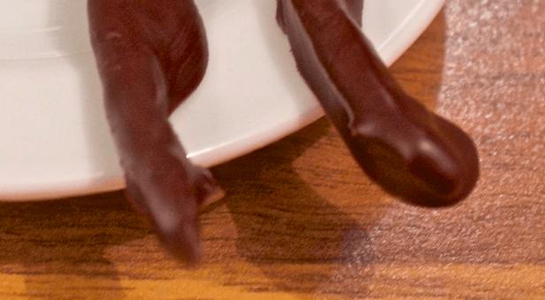 Sjokoladetrukket kandisert appelsinskall
