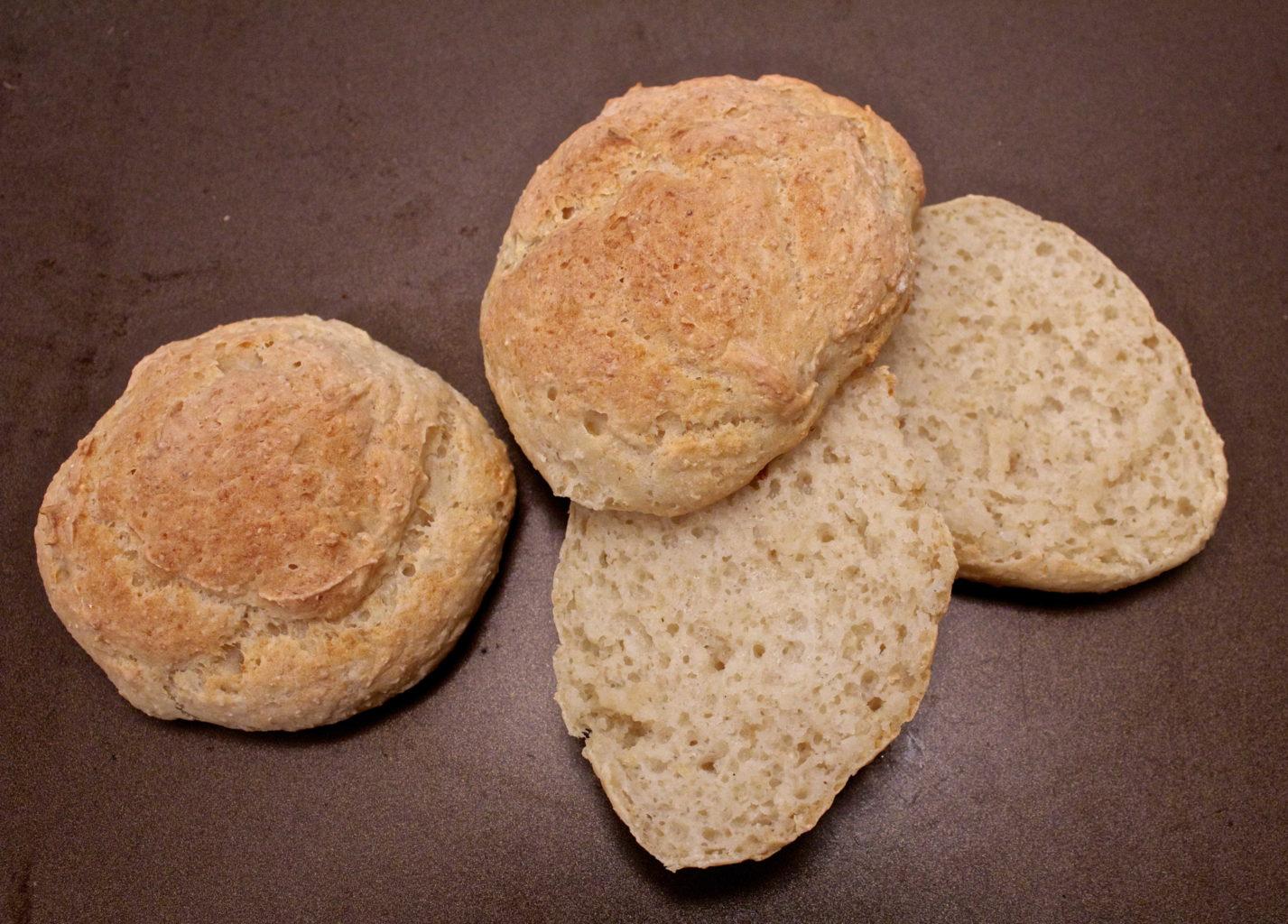 Gluten- og laktosefrie GODE rundstykker med havre