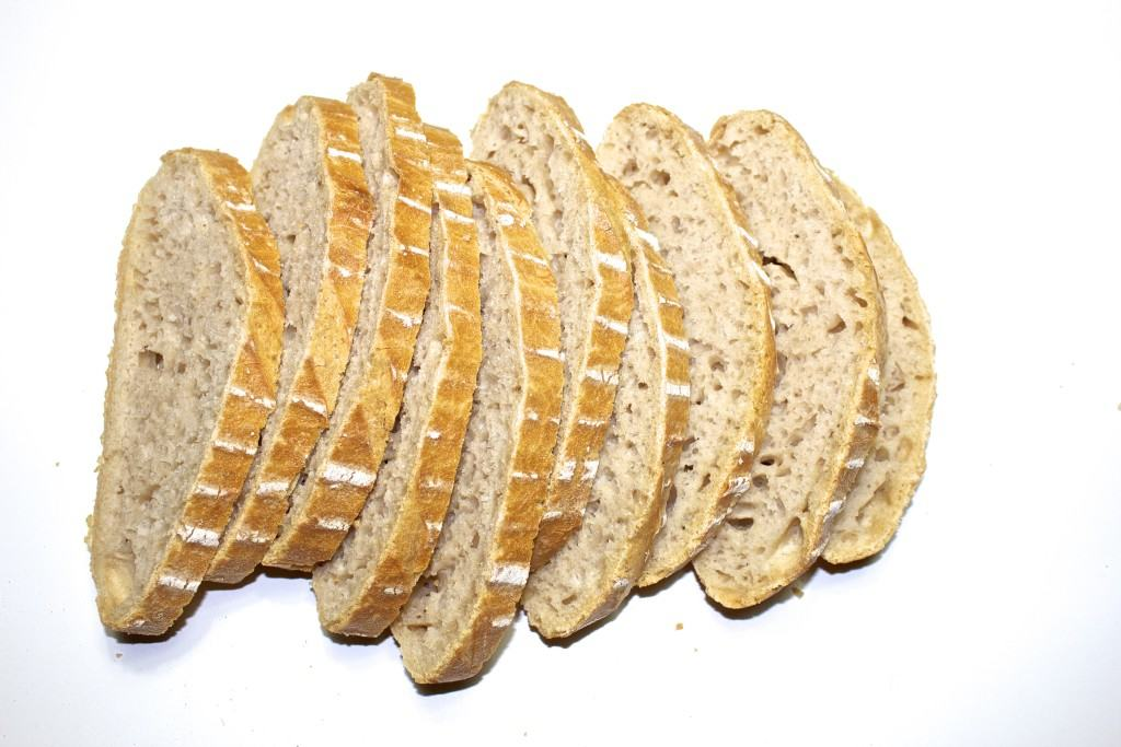 SPeltsurdeig lavFODMAP brød skiver